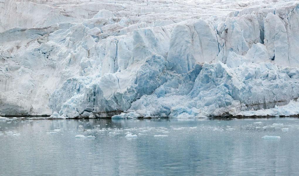 Is som smälter ner i havet